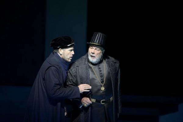 Posa és Fülöp király: Thomas Hampson és Matti Salminen (fotó: Monika Rittershaus)
