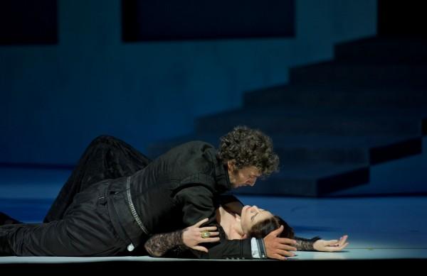 Erzsébet és Don Carlos: Anja Harteros és Jonas Kaufmann (fotó: Monika Rittershaus)