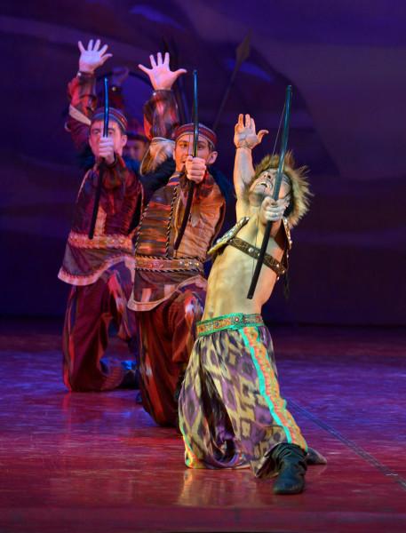 Polovec táncok (fotó: Jelena Lapina)