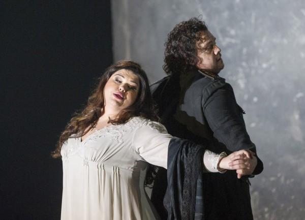 Desdemona és Otello: Leah Crocetto és Stuart Skelton (fotó: Alastair Muir / English National Opera)