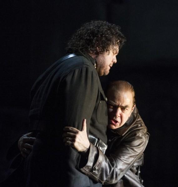 Otello és Jago: Stuart Skelton és Jonathan Summers (fotó: Alastair Muir / English National Opera)