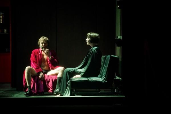 Salome és Heródes: Gun-Brit Barkmin és Jacek Laszczkowski (fotó: Ilona Sochorová / Národní divadlo Praha)