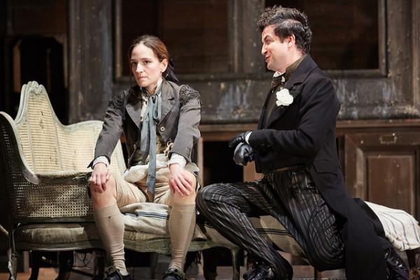 Cherubino és Basilio: Kate Lindsey és Krystian Adam (fotó: Mark Douet / Royal Opera House)