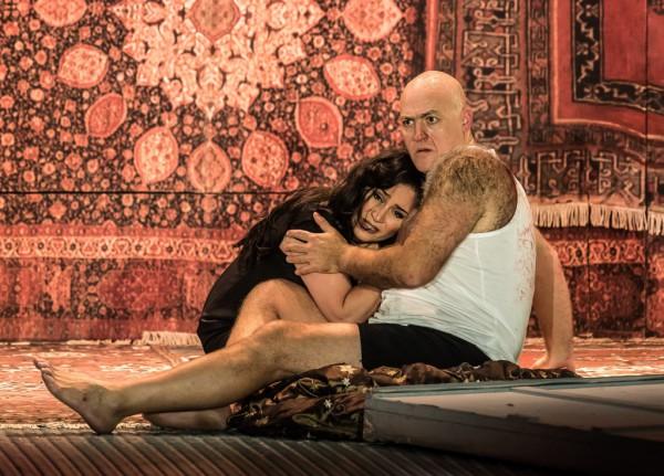 Katyerina és Szergej: Patricia Racette és John Daszak (fotó: Clive Barda / English National Opera)