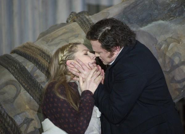 Adalgisa és Pollione: Jennifer Holloway és Peter Auty (fotó: Alastair Muir / English National Opera)