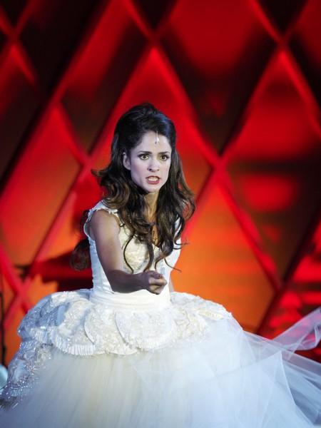 Adina: Elena Sancho Pereg (fotó: Armin Bardel)