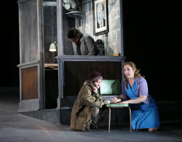 Jelenet az előadásból (fotó: Donald Cooper / English National Opera)