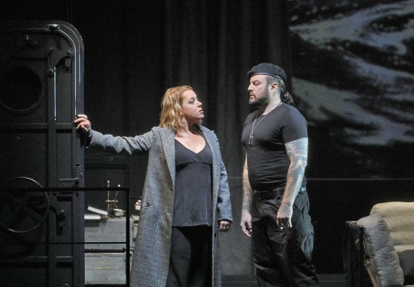 Izolda és Kurwenal: Nina Stemme és Jevgenyij Nyikityin (fotó: Ken Howard / Metropolitan Opera)
