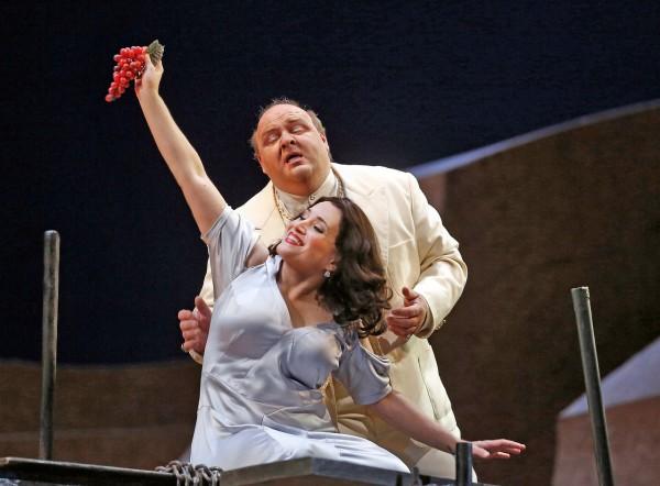 Salome és Heródes: Patricia Racette és Gerhard Siegel (fotó: Ken Howard / Metropolitan Opera)