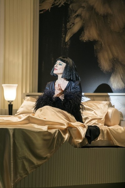 Kleopátra: Dagmar Manzel (fotó: Iko Freese / drama-berlin.de)