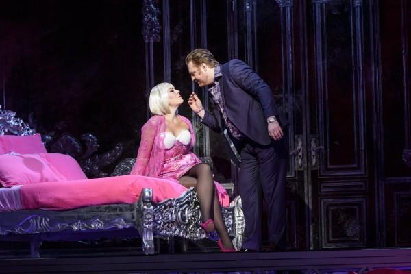 Manon és Lescaut: Sondra Radvanovsky és Molnár Levente (fotó: Bill Cooper / Royal Opera House)