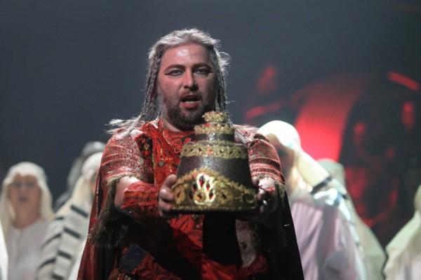 Nabucco: Cseh Antal