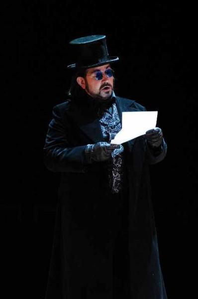 Kelemen Zoltán a négyes baritonszerepben (fotó: Szegedi Nemzeti Színház)