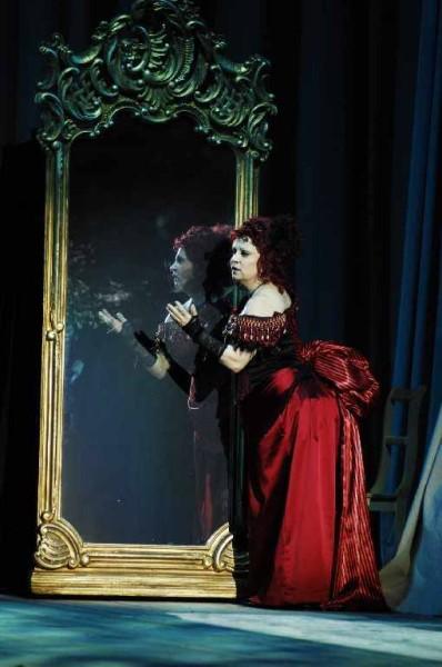 Giulietta: Vajda Júlia (fotó: Szegedi Nemzeti Színház)