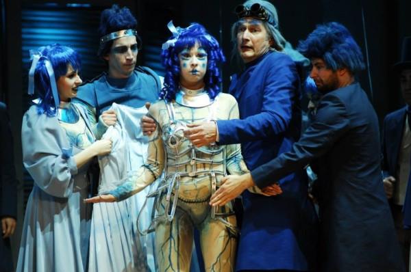Olympia: Nánási Helga (fotó: Szegedi Nemzeti Színház / Veréb Simon)