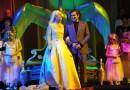 Műanyag hattyúval az intrikák szövevényében, avagy színház az egész… politika